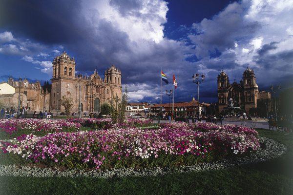 Catedral del Cusco y la Iglesia de la Compañía de Jesús.